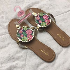 💕NEW💕 simply southern sandals!